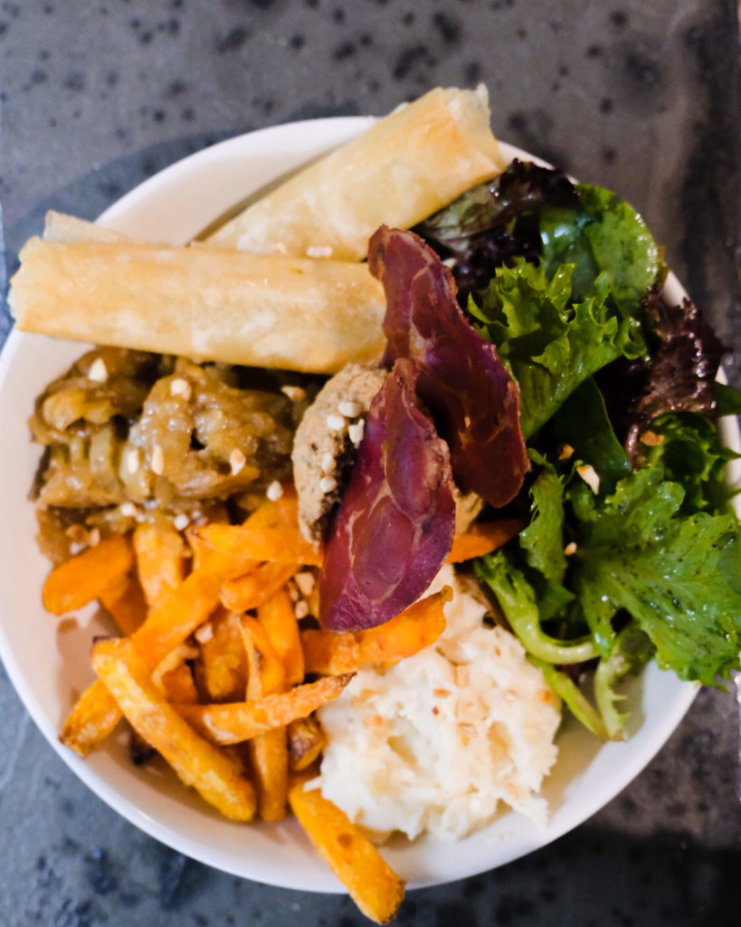 Coffee shop bordeaux cafeincup buddha bowl brunch